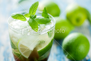 stock-photo-15111750-mojito